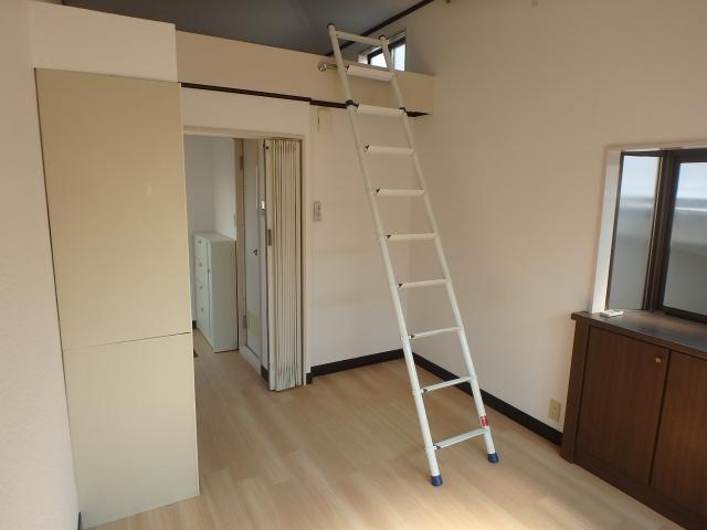 カネコアパート 203 (1)